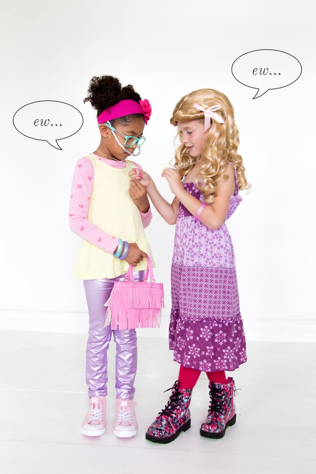 """Jimmy Fallon and wil.i.am """"Ew"""" costumes"""