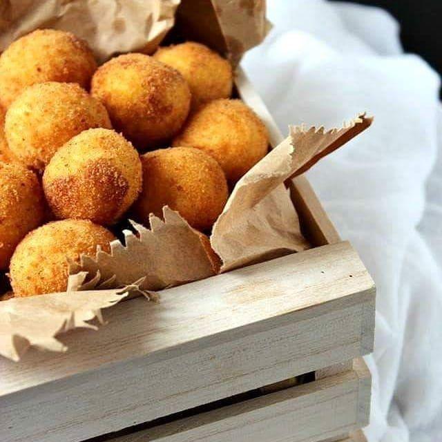 Per la campagna Non Sì Baratta Crocchette di patate al pecorino #fritto #chefame #food #foodlover #foodaddict #yummy #buongiorno #love #photooftheday #healthy #picoftheday #yummy #healthyfood #foodie #delicious #italy #solocosebuone #blog #patata #pecorino #napolidmangiare #wine #vino #buonpranzo #nonsibaratta @parallellines.art @tommasiwine