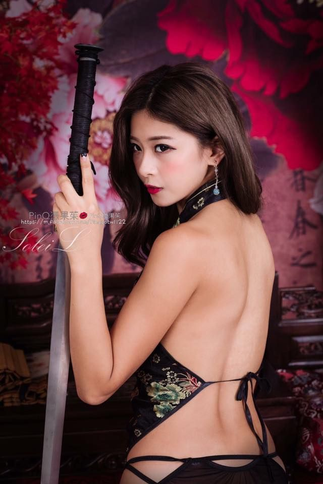 #PinQ #憑果茱 #邱靜誼 #Taiwan #taiwangirl #Woman