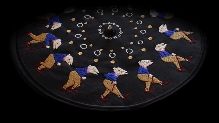 Embroidered Zoetropes from Elliot Schultz - see amazing video on blog