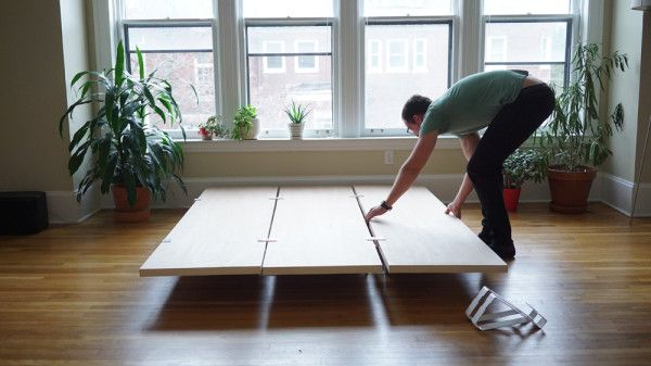 A Minimal Platform Bed for City Living