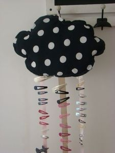 Adorable hair clip holder