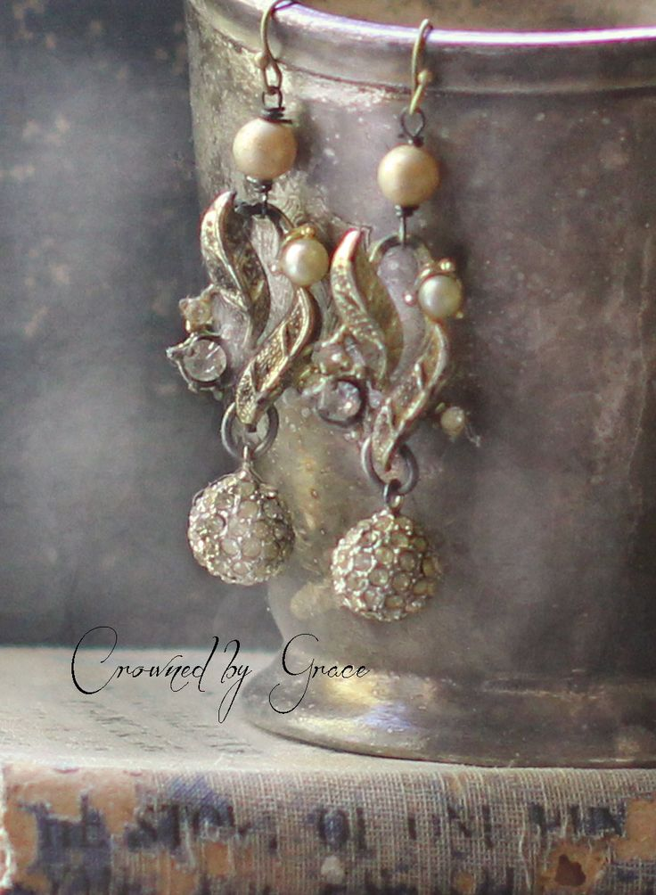Ieri assemblaggio vintage orecchini art deco di crownedbygrace