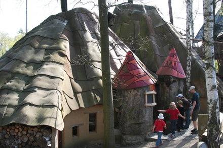 Diverse Bauwerke - Baumhaushotel Kulturinsel Einsiedel