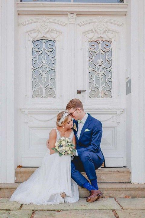 Lena & Sebastian: Pavillon-Hochzeit in Blau- & Gold-Nuancen IN LOVE BY BINA TERRÉ http://www.hochzeitswahn.de/inspirationen/lena-sebastian-pavillon-hochzeit-in-blau-gold-nuancen/ #wedding #marriage #blue