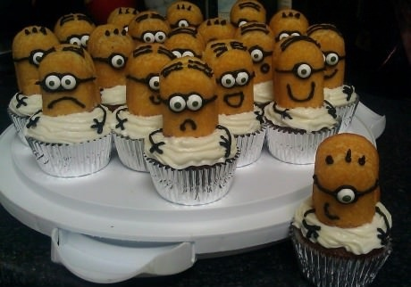 Minion cupcakes. Too bad they don't make Twinkies anymore! Maybe I could use Milano cookies or Ladyfingers instead??