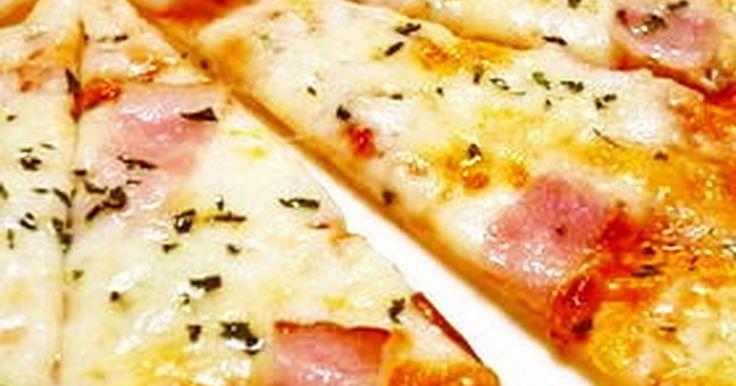 ドライイーストも発酵もいらない簡単ピザ! 食べたいな~と思ったら、あっという間に… いただきまぁ~す!