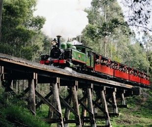 Puffing Billy travelling over Trestle Bridge
