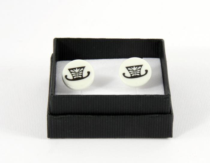Porcelain cufflinks designed by Zsuzsa Boldizsár http://www.magma.hu/muveszek.php?id=70