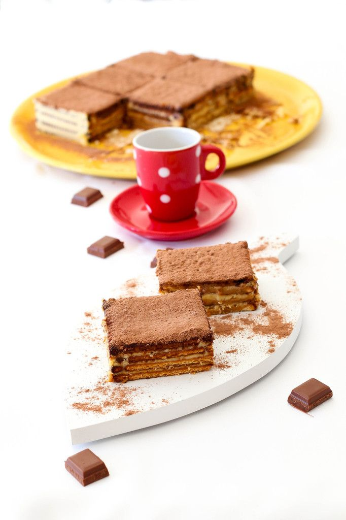 Gâteau de petit brun au café et cacao