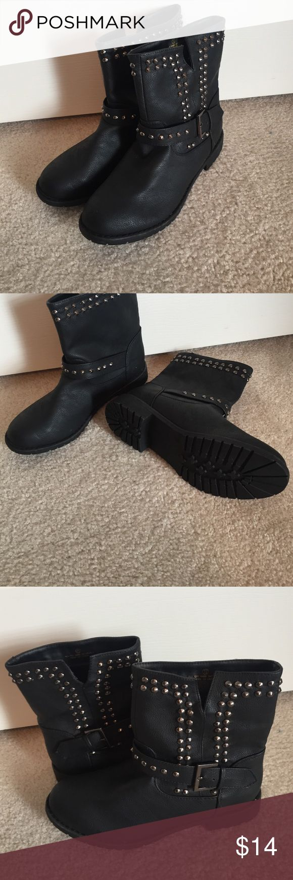Studded Ankle Boots Short studded ankle boots, I've never worn them. Don't need them! Size 7.5, would be cute with jeans. Liliana Shoes Ankle Boots & Booties