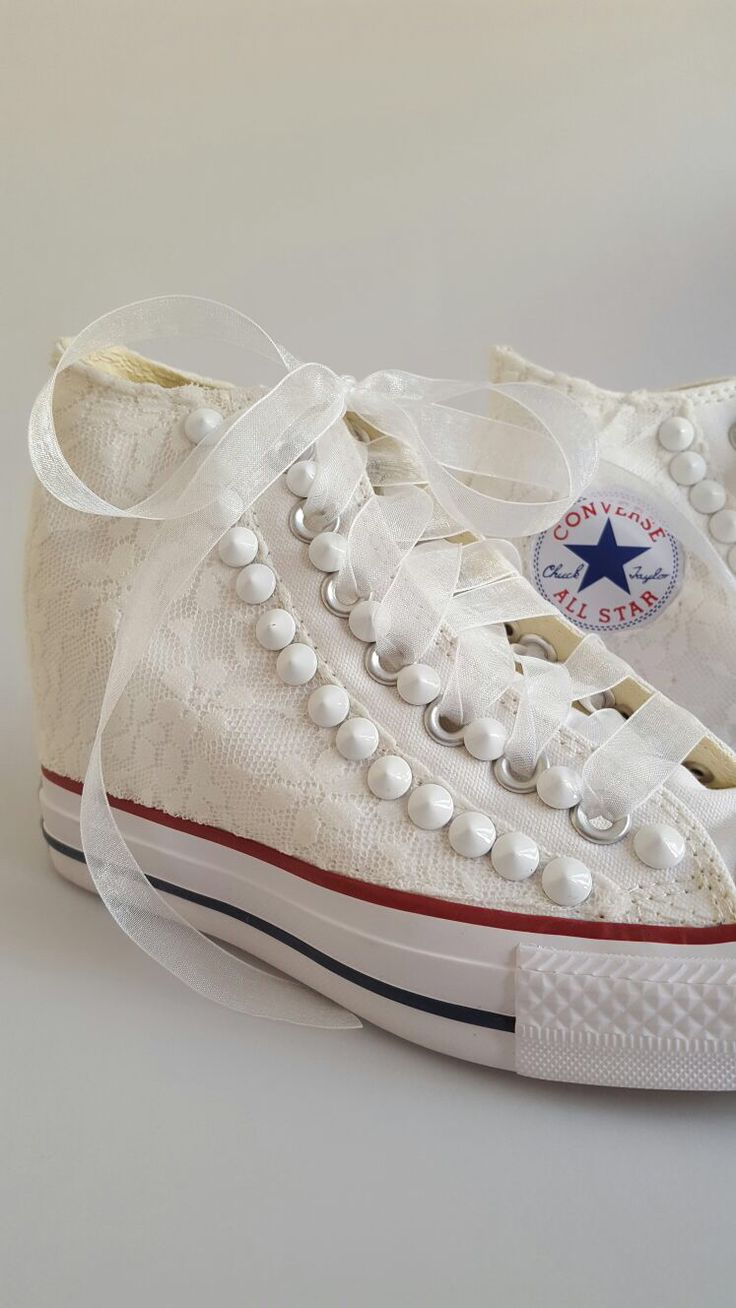 Bridal converse: handmade customization using pizzo and white studs. info@veronicaamati.com