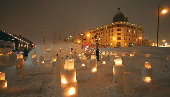 The Otaru Snow Light Path Festival (小樽雪あかりの路