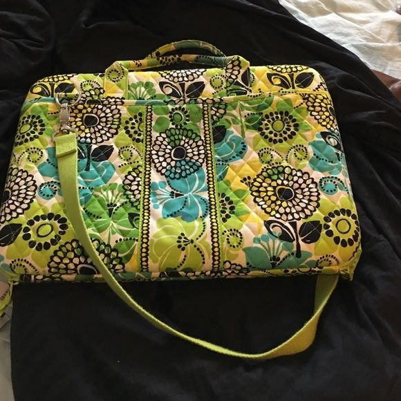 Vera Bradley laptop case Super fun like new laptop case with adjustability for any laptop! Vera Bradley Bags Laptop Bags