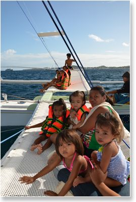 kids sailing | Sailing with kids - children - Sailboat charter Boracay