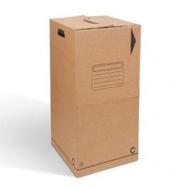 CAJA CARTÓN ARMARIO CON BARRA. La caja de cartón armario con barra es, de hecho, un armario portátil en el que podrás colgar toda tu ropa sin necesidad de plegarla. #MWMaterialsWorld #cajacartónropa #cajacartónconbarra #cardboardbox #clothescardboardbox #cardboardboxwithbar