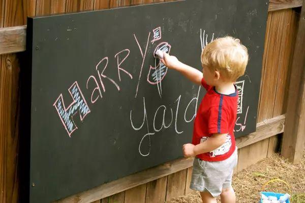 Homemade outdoor chalkboard for kids by Okay, BA!