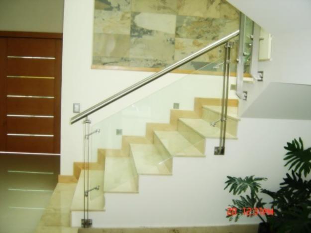 barandales de cristal templado solucin para terrazas escaleras e interiores otorgndole mayor amplitud