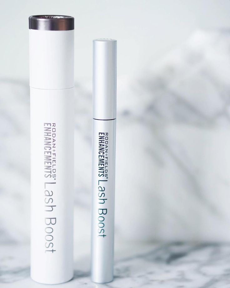 If you haven't tried Rodan & Fields Lash Boost Serum you are seriously missing out! I've been using it for about 2 months now and my lashes are out of control. I can't tell you how many times I'm asked if I have Lash extensions ...nope! So much cheaper than extensions and au natural  If you're interested in purchasing I'm teaming up with a consultant to offer you a special discounted price - head over to my Facebook page for details (click the link in my bio) All who purchase a Lash Boost in…