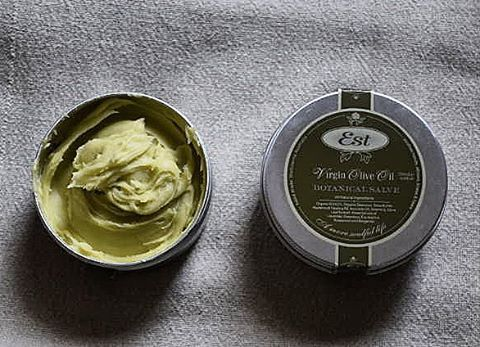 ♢Botanical Salve♢ A highly moisturising balm Ideal for people who suffer from dry skin conditions. ♢Shop at the link in our bio♢ #Estaustralia #handmade #Hawthorn #Melbourne #Natural