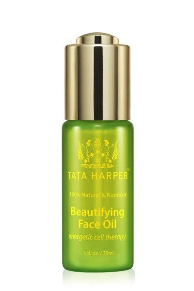 Meet the newest product out of our #OpenLab: the Beautifying Face Oil, a luxuriously lightweight, fast-absorbing oil to energize the look of the skin and leave a silky-soft surface. Made by hand in Vermont, of course!