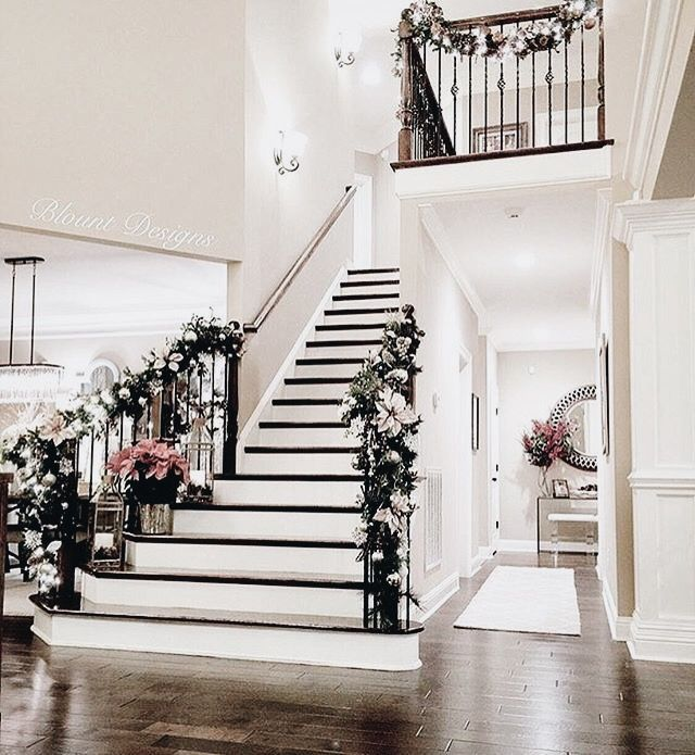 Yule style!! Noel Christmas!! BLACK AND WHITE! Gorgeous stairway with Christmas style!! Imagine walking down this stairway in a lovely Winter Holiday gown!