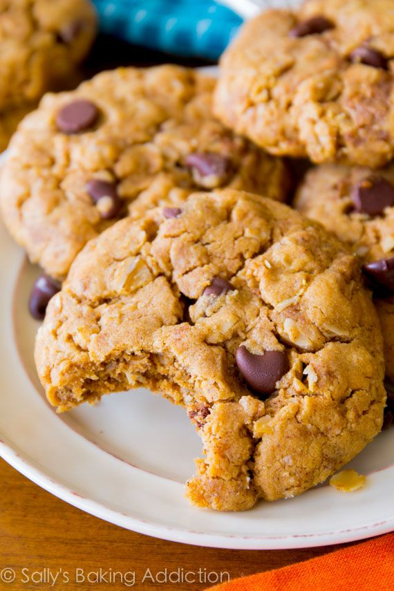 7 ingredient Flourless Peanut Butter Oatmeal Cookies - soft, chewy, simple, and gluten free!