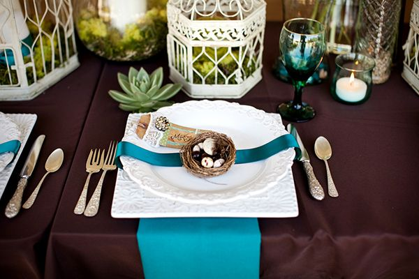 Chocolate And Teal Wedding Reception: Vintage Reception Decor, Teal And Brown Vintage Table