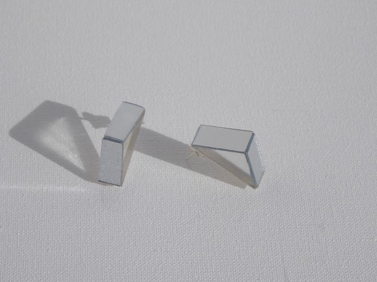 Plata, metacrilato y espejo