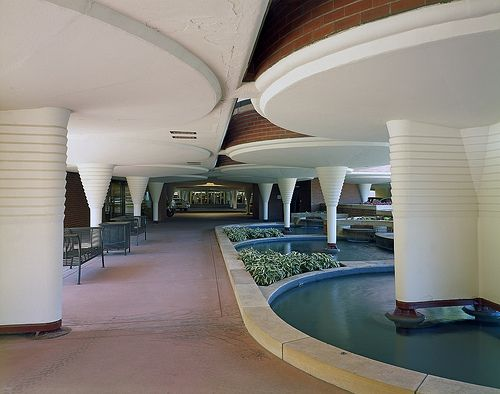 Frank Lloyd Wright, S.C. Johnson World Headquarters