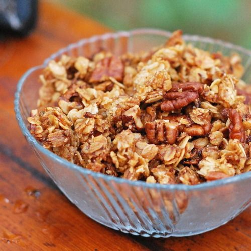 Crunchy Pecan Granola - really feeling in the mood for some homemade granola...