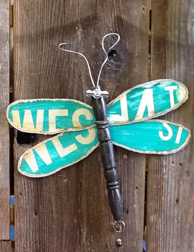 Hometalk :: Dragonflies made using re-purposed materials. Just about anything can…