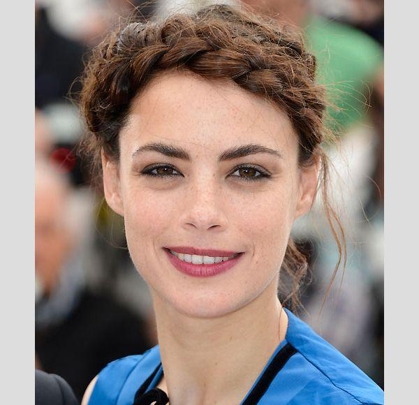 Berenice Bejo. #casamento #penteados #tranças #convidadas #famosas