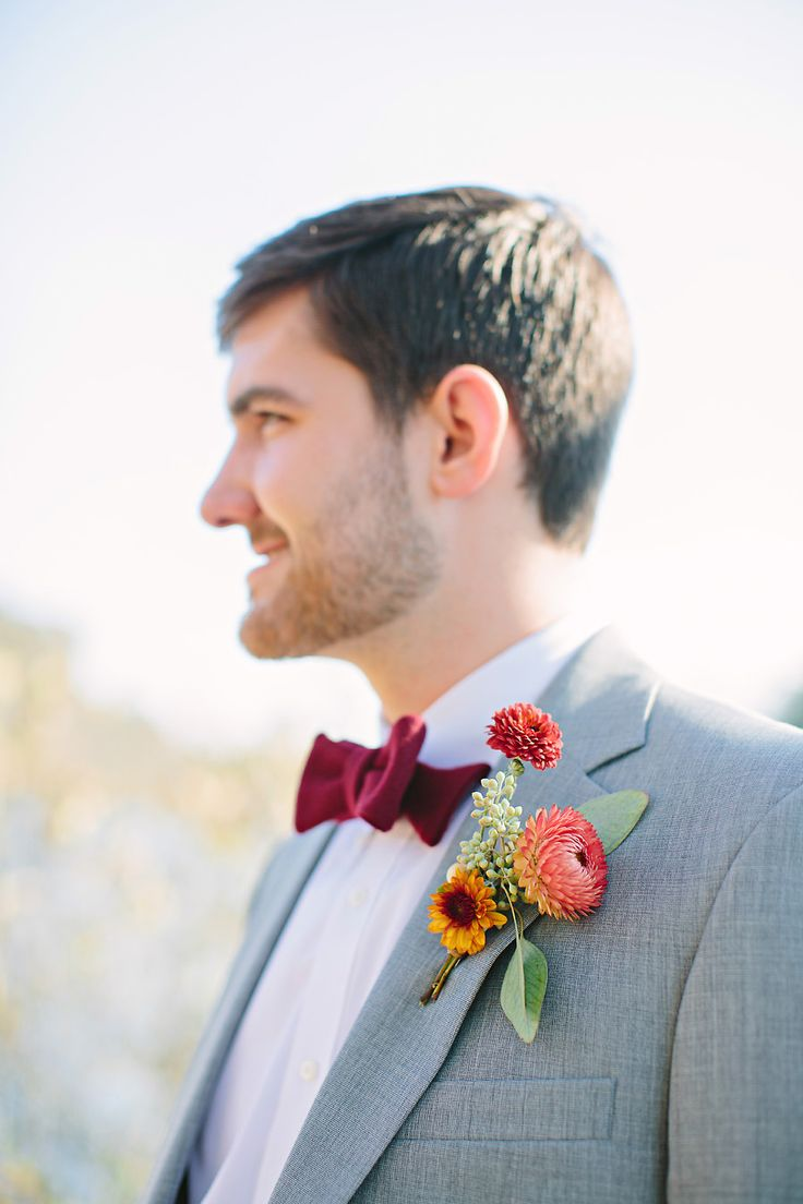 Perfect #groom look for a fall wedding | Photography: http://theredflystudio.com | Floral Design: www.twigsleavesflowers.com
