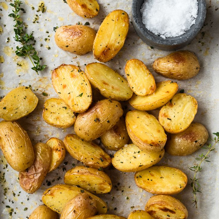 A delicious, fool proof recipe for crispy herb roasted potatoes.
