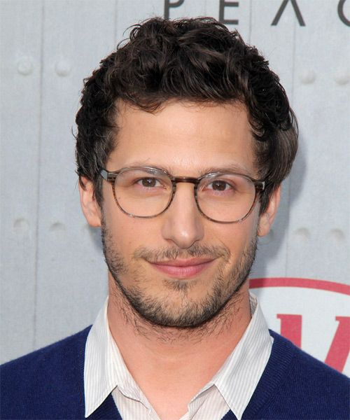 Hey, doesn't Andy Samberg look great in glasses? Verrry sophisticated, sir!