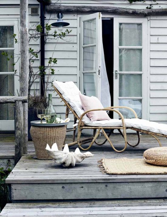 perfect spot on the back deck for relaxing - desire to inspire - desiretoinspire.net - Emma Thomas update