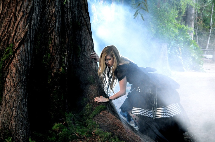 Avril Lavigne - 'Alice (Underground)': Things Alice, View Avril, Tim Burton Alice, Alice In Wonderland, Press Photos, Photoshoots Ideas, Avril Lavigne, Alice Wonderland
