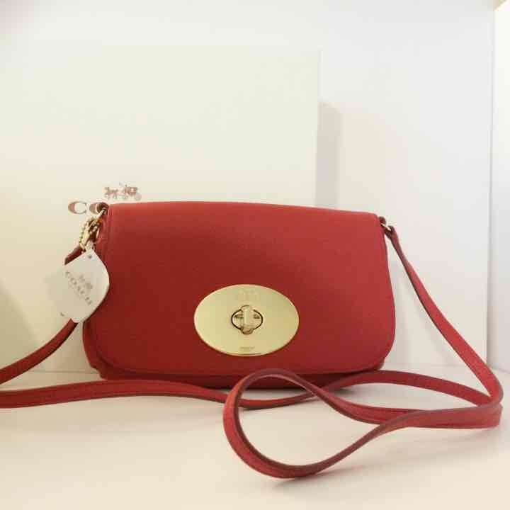NWT COACH Leather Cl… ($120) is on sale on Mercari, check it out! https://item.mercari.com/gl/m315378187/