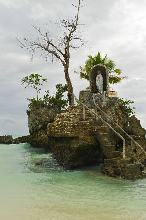 Grotto, Boracay Island This is just simply beautiful.......