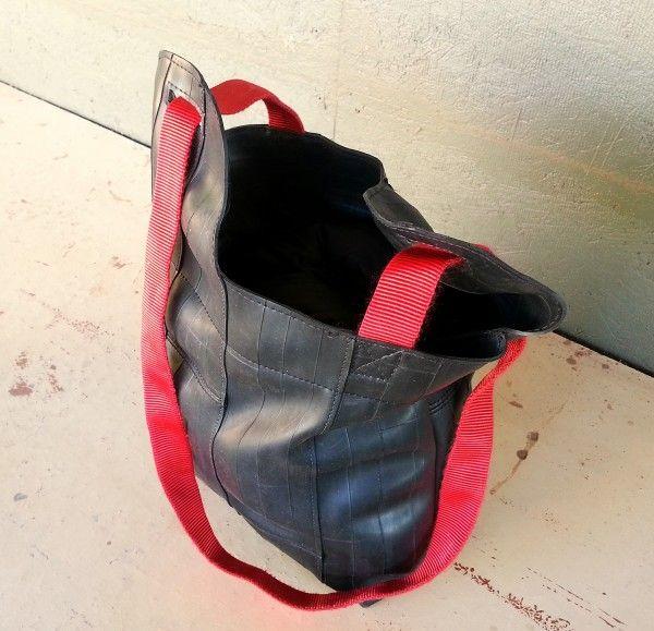 Bike Tube Tote Bag as seen on Recyclart.org