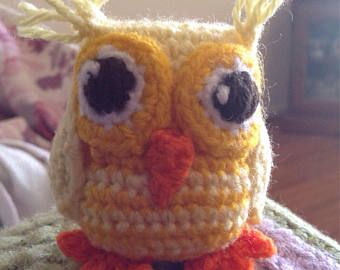 This cute little owl would look great on your keychain, phone, bag or anywhere really.