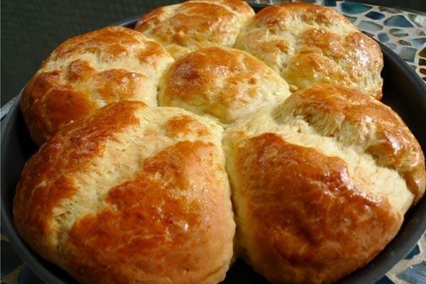 Receita de Pão de cebola. Enviada por EDMILSON PEREIRA PINTO e demora apenas 50 minutos.