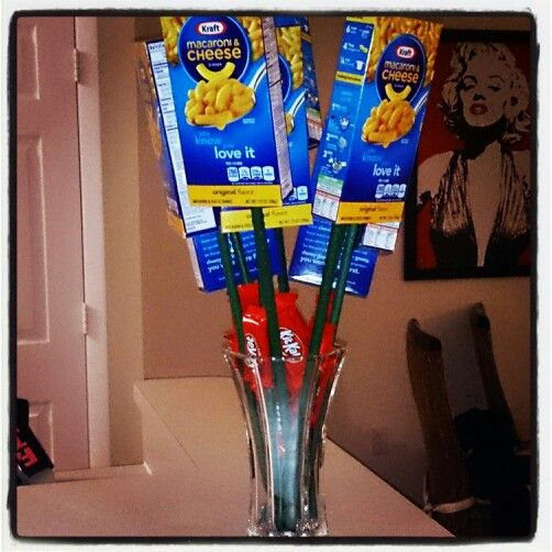 My boyfriend made me a mac and cheese bouqet for vday! Best present ever