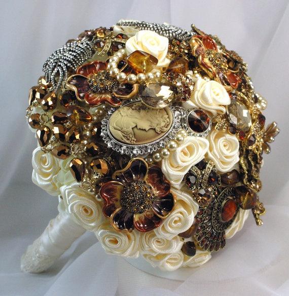 Autumn jeweled wedding bouquet Ivory amber. Color scheme for DIY. Instructions here: http://www.projectwedding.com/wedding-ideas/diy-brooch-bouquet-tutorial