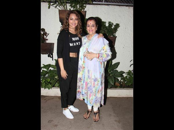 Check Out @sonakshisinha 's Cool Avatar With Her Graceful Mom  #fashion #bollywood #blackdress #casual #girls