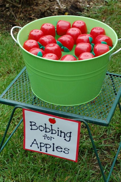 Snow White: Bobbing for Apples. Exchange for decorating it or one done.
