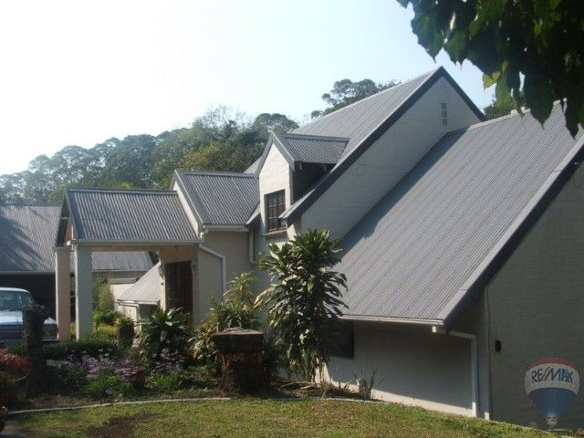 3 bedroom House For Sale in Kloof, Kloof | 302129629 | RE/MAX  #ForSale #Durban #Familyhome #Jacuzzi #Schools