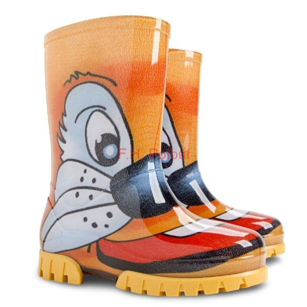 #TWISTER #Print #Wellies, created with #high #pvc #quality, specially for #young #boys, #waterproof and easy to clean with #anti-skidding sole.