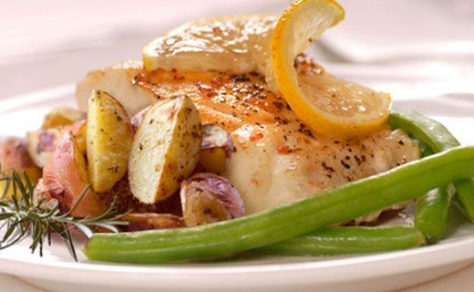Epicure's Steamed Fish with Potatoes and Asparagus
